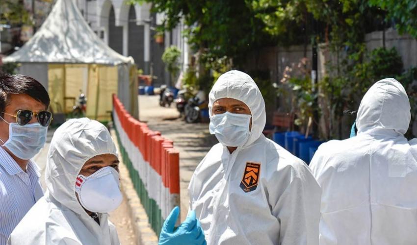 भारतमा संक्रमितको संख्या तीस लाख पुग्यो