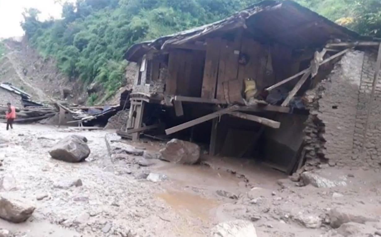 बागलुङ बाढीमा बेपत्तामध्ये ११ जनाको शव फेला