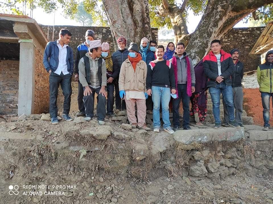 समाज सुधार सेवा नेपाल संस्थाको मंगलसेन नगरपालिका वडा नं ३  तिखाडा टोलका बिभिन्न स्थानमा सरसफाई