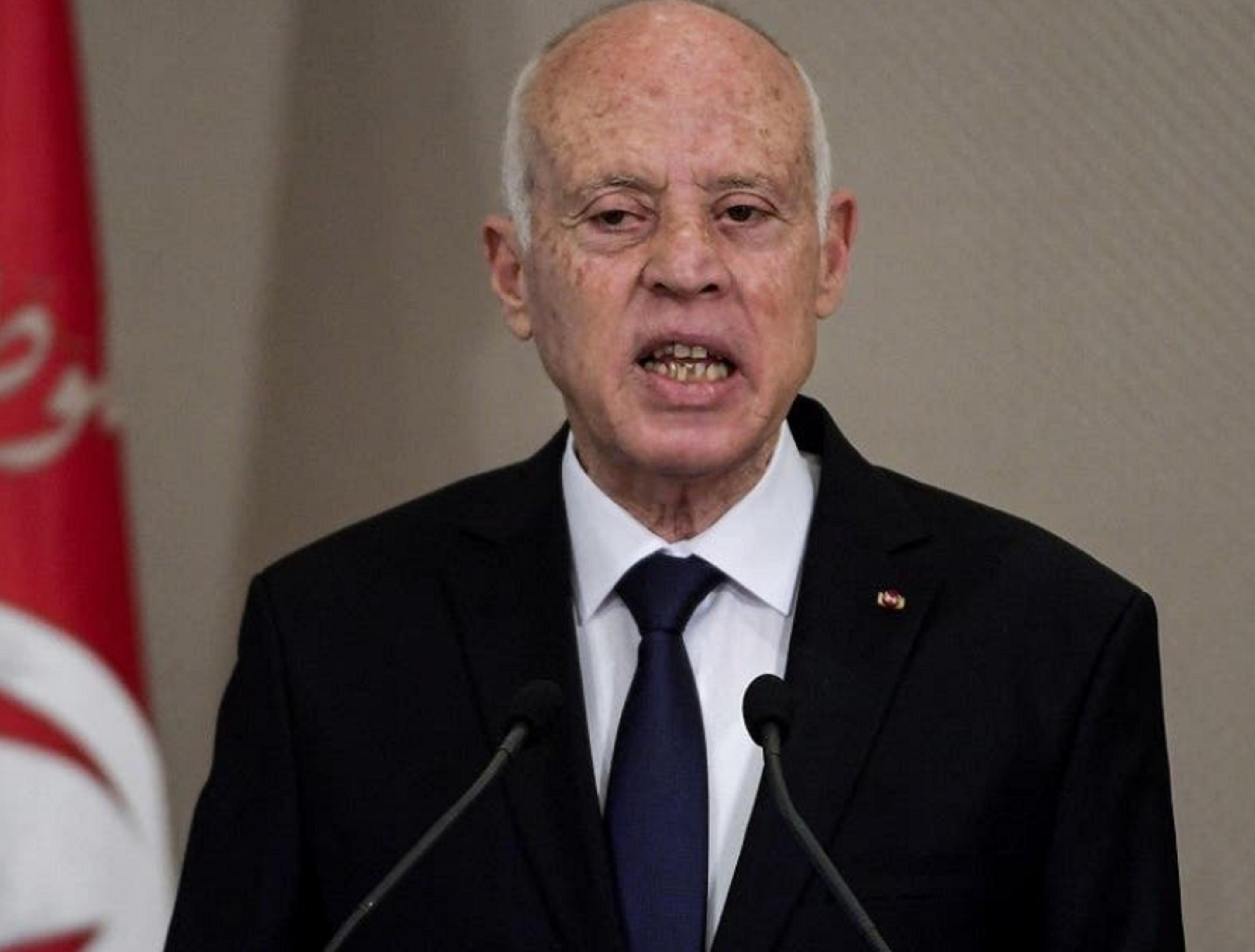 ट्युनिसियाका राष्ट्रपतिद्वारा संसद भङ्ग, प्रधानमन्त्री बर्खास्त