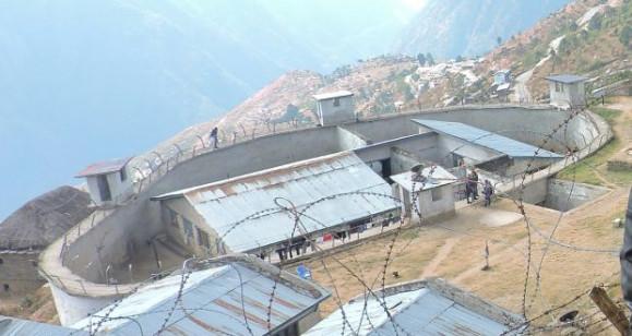 क्षमताभन्दा तेब्बर कैदी राख्नुपरेपछि कालिकोटमा कारागारको शौचालयलाई कोठा बनाइयो